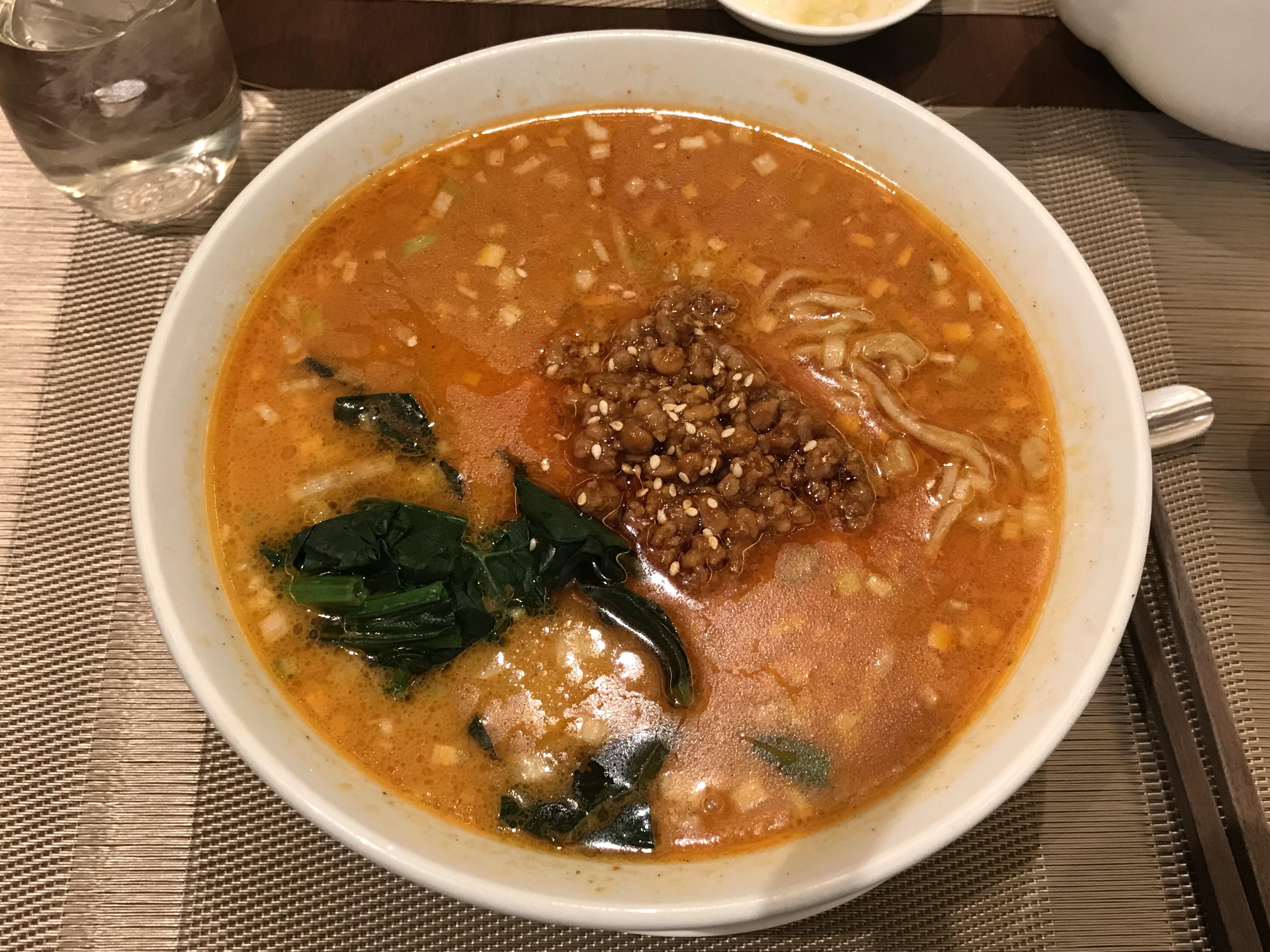 倶楽湾の坦々麺