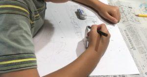 夏休みの宿題で絵の下書き
